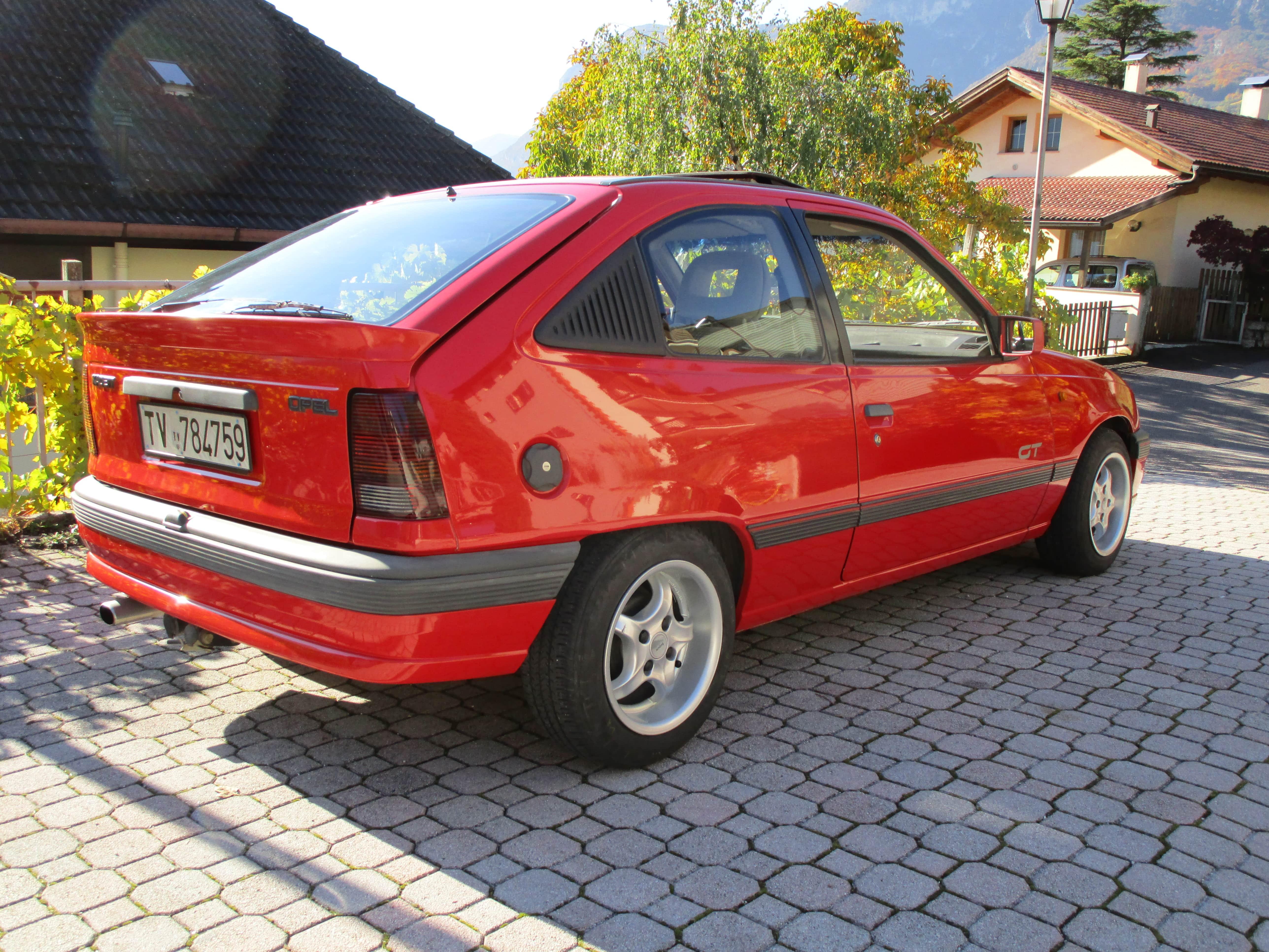 Opel Kadett E GT - Hochglanzalbum - Kadett Forum