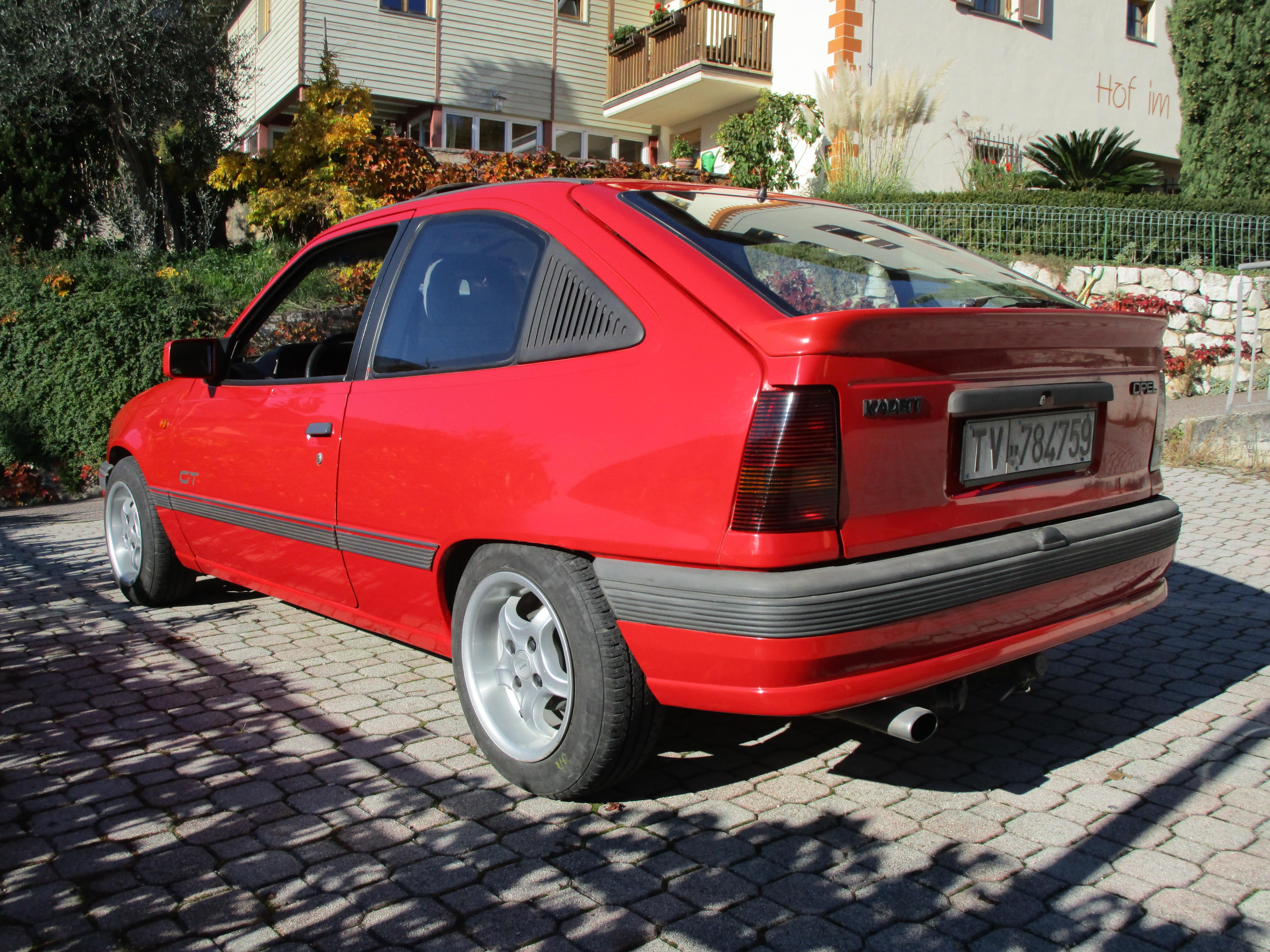 Opel kadett e gt hochglanzalbum kadett forum for Opel kadett e interieur