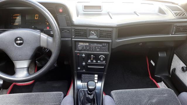 So fertig mit dem Downgrade vom ultra modernen JVC Radio mit USB..Bluetooth...usw...gegen das Originale Opel SC202 Kassetten Radio :-)