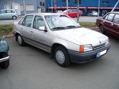 Opel Kadett E Stufenheck