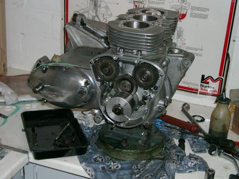 Triumph Trident T150V